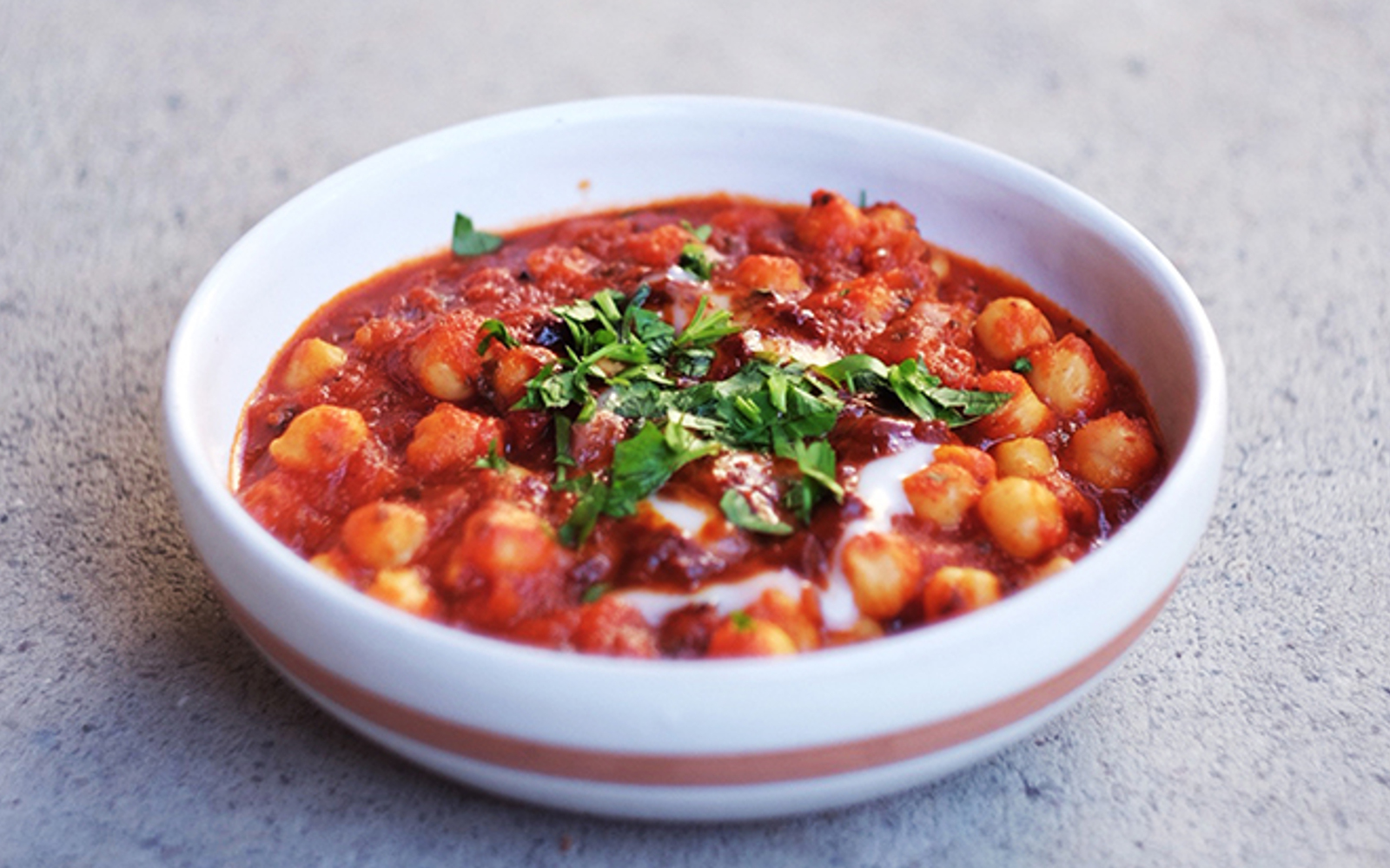 Roasted Tomato and Chickpeas Stew [Vegan] | One Green Planet