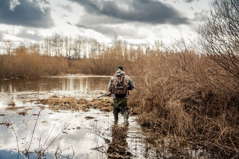 """Petition: """"Hunting Influencer"""" Kills Animals and Shows Off Photos and Videos on Social Media"""