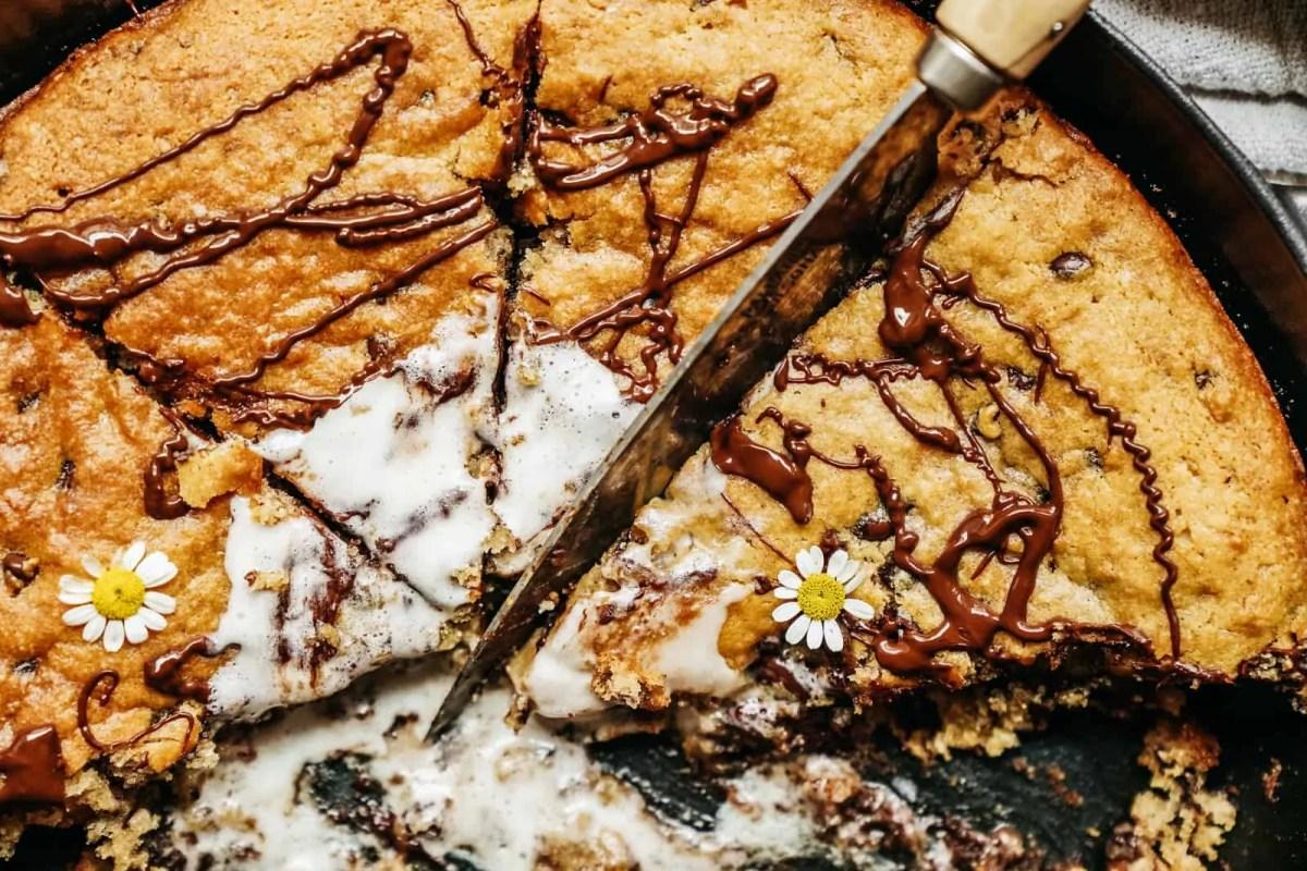 Vegan Deep Dish Chocolate Chip Cookie Skillet